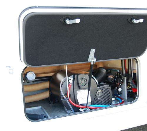 coffre-technique-chauffage-camping-car-haut-de-gamme-le-voyageur